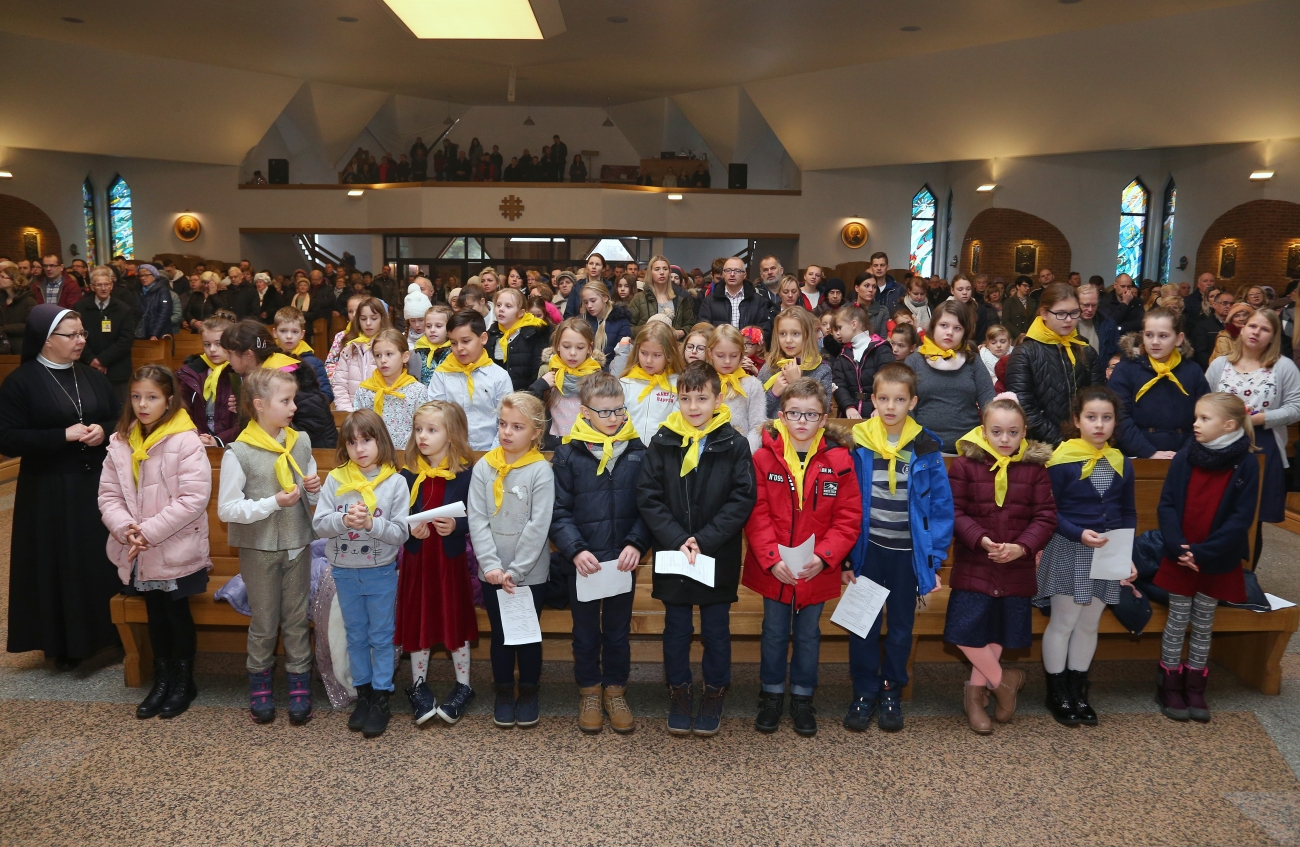 Eucharystyczny Ruch Mlodych przyjęcie